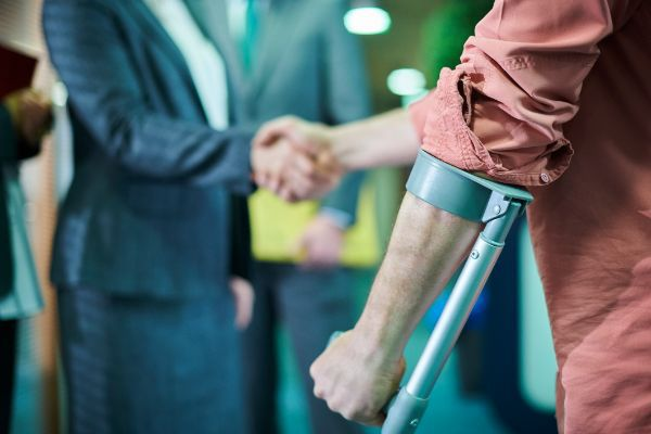 Read more about the article When Can You Fight Your Case On Your Own Instead Of Hiring A Lawyer For Personal Injury?